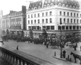 Queueing for the Ponting's sale, London, 1907.