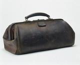 Leather doctor's bag, 1890-1930.