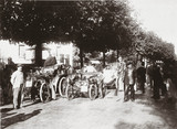 Start of the Bordeaux-Biarritz Race, with C S Rolls' car in front, 1899.