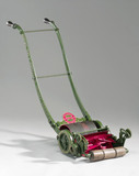 Ransome 'Patent Gear' lawnmower, 1880-1890.