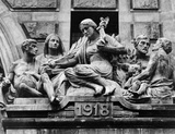 Memorial above the entrance to Waterloo Station, London, date unknown. Close-up of the First World War memorial.