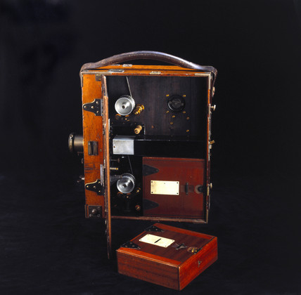 Moy and Bastie 35mm cine camera, c 1909.