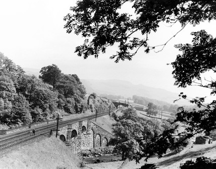 Sheriff Brow viaduct over the River Ribble, c 1950s.