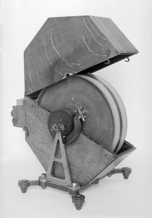 Stereoscopic spark drum camera, French, 190