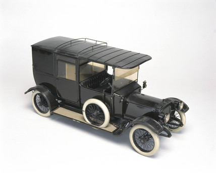 20 hp Daimler staff car, 1914.