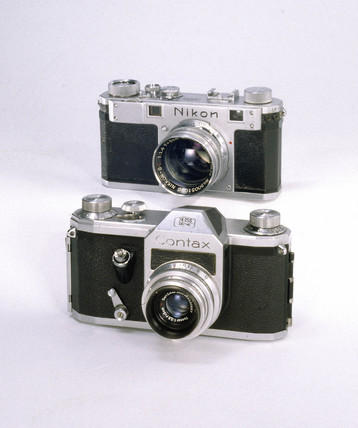 Contax S camera, 1949-1951, and Nikon S rangefinder camera, 1951-1955.