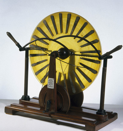 Wimshurst's electrostatic machine, 1882.