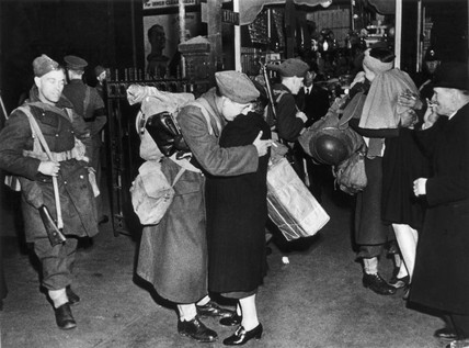 Saying goodbye at the station, London, Second World War, c 1939-1945.