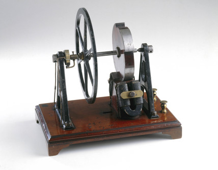 Wheatstone sawtooth type electromagnetic engine, 1841.