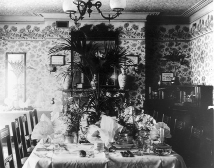 Edwardian dining room with a lavishly prepa