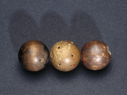 Dalton's wooden atomic models, early 19th century.
