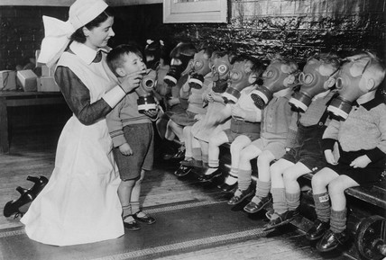 'Gas mask drill for evacuees', 27 February 1941.