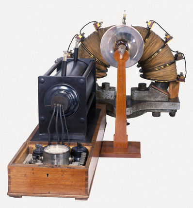 Aston's first mas spectrograph, 1919.