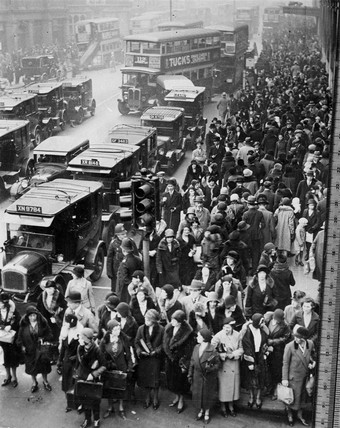 Crowds on Oxford Street, London, 11 December 1931.