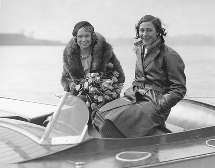 Amy Johnson and Anna Neagle, Welsh Harp, Hendon, 1 April 1931.