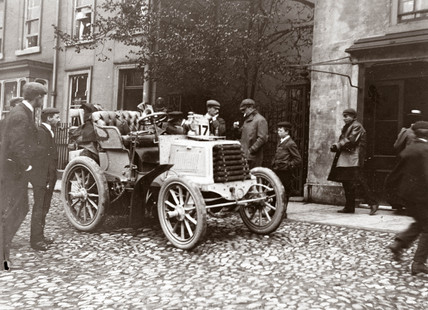 C S Rolls' 12 hp Panhard motor car on the 1000 Mile Trial, 1900.