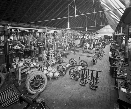 Early car factory, Bishops Green, Coventry, West Midlands, 1907.