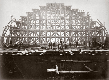 Erection of the roof of St Pancras Station, 1868.
