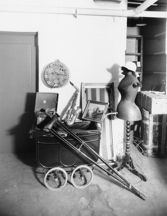 Items held at Paddington stations' Lost property office',  19 October 1933.