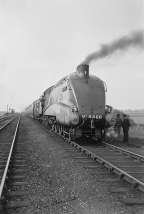 'The Mallard' 4-6-2 steam locomotive no 4468, 3 July 1938.