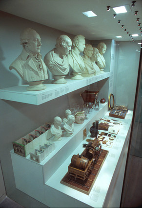 'The Age of the Engineer', display case, Science Museum, London, June 2000.