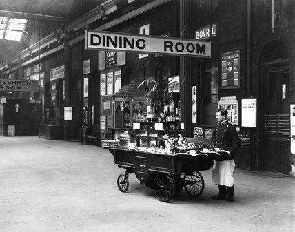 Buffet trolley at Derby Station, c.1908.