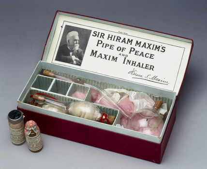 Sir Hiram Maxim's 'Pipe of Peace' bronchial inhaler, 1909-1910.