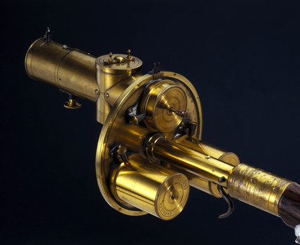 Gun camera made by Sands and Hunter, 1885.