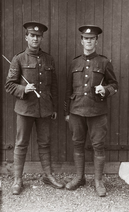 Two British soldiers, 1914-1918.