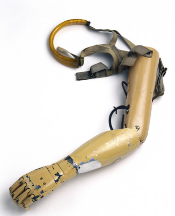 Artificial arm, 1915.
