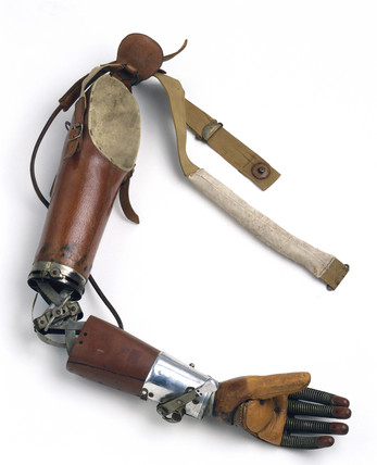 Artificial arm, 1920-1925.