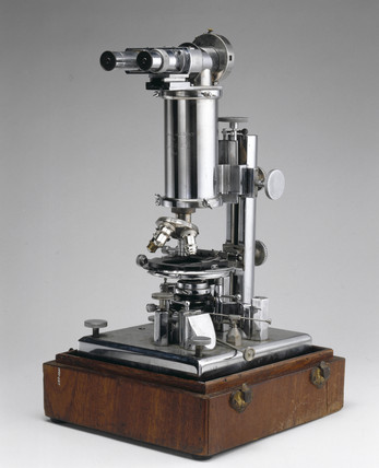 Rife's prismatic compound microscope No 5, 1938.