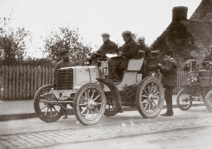 Roll's 12 hp Panhard motor car on the 1000 Mile Trial, 1900.