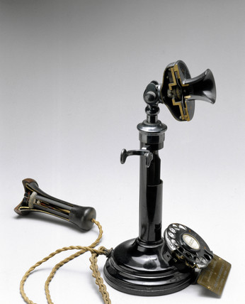 Sectioned desk telephone transmitter and receiver, 1926.