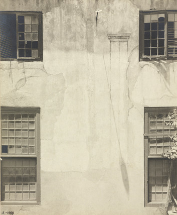 Wall Sundial, Cape Town, South Africa, 1909.