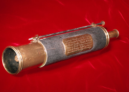 The first Gregorian reflecting telescope, 1724.