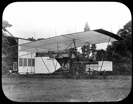 Maxim's flying machine modified to give visitors 'rides on the track', 1894.
