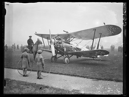 aeroplane in Hyde Park, 1933.