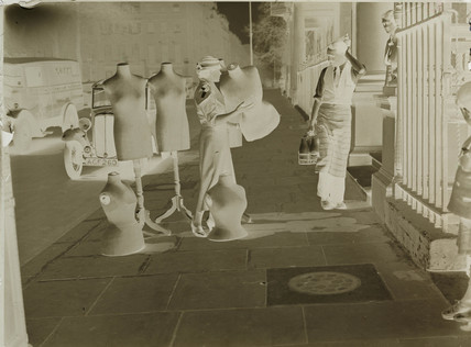 Dummies outside the Victoria & Albert Museum, London, 1932.