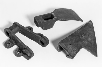 Plouhhshare, adze and link made of maganese steel, 1882-1884.