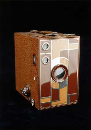 Beau Brownie camera with doublet lens, 1930-1933.