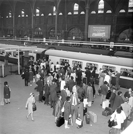 Passengers boarding the 'Hook Continental' train, London, 4 May 1971.