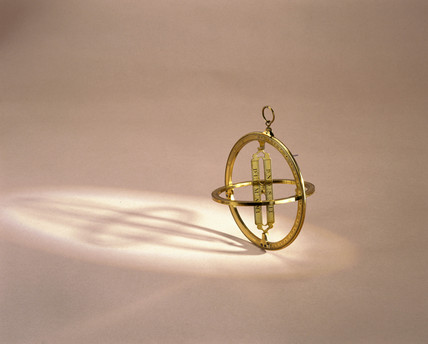 Universal equinoctial ring sun dial, 1710-1729.