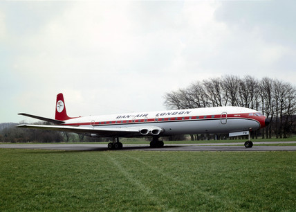 De Havilland Comet 4B airliner, serial no 6438, 1960.