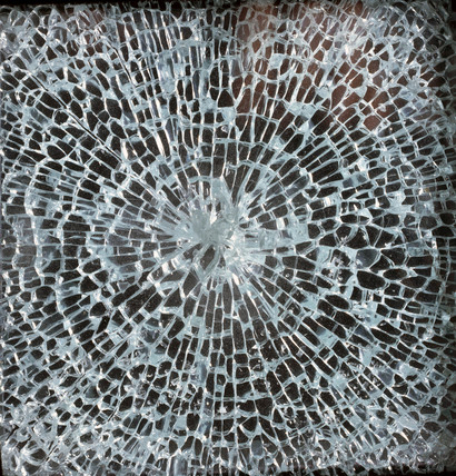 Shatter pattern of toughened glas, 1968.