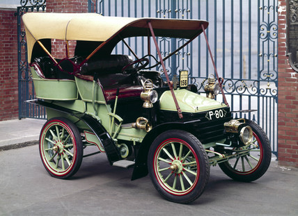 Wolseley motor car, 1902.