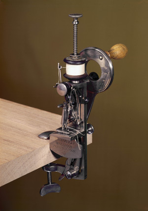 Moldacot pocket sewing machine, 1885-1886.