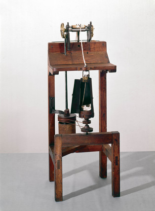 Arkwright's original drawing frame (lantern frame), c 1775.