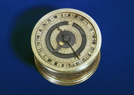 Small round table-clock with astronomical movements, c 1600.