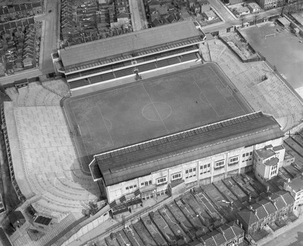 aerial view of Highbury Stadium, London, 1951.